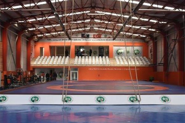Düzce Belediyesi Güreş Salonu / Düzce