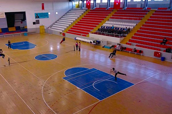 Kars Indoor Sports Hall / Kars