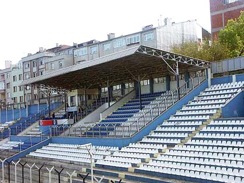 Zeytinburnu Stadium / Istanbul