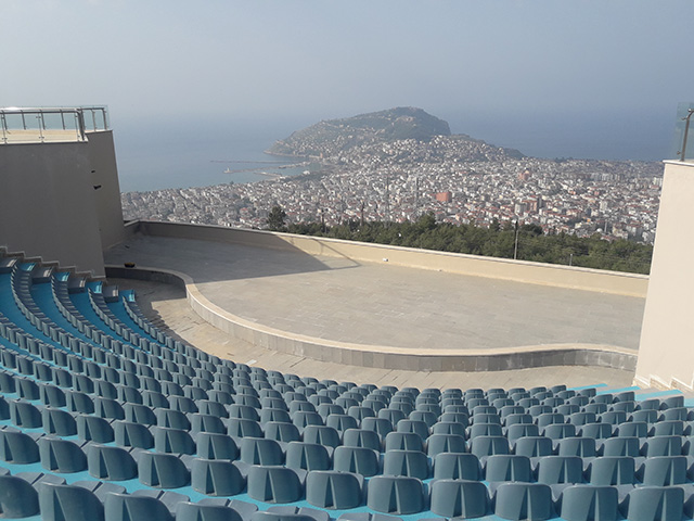 Alanya Municipality Terrace Amphi / Antalya